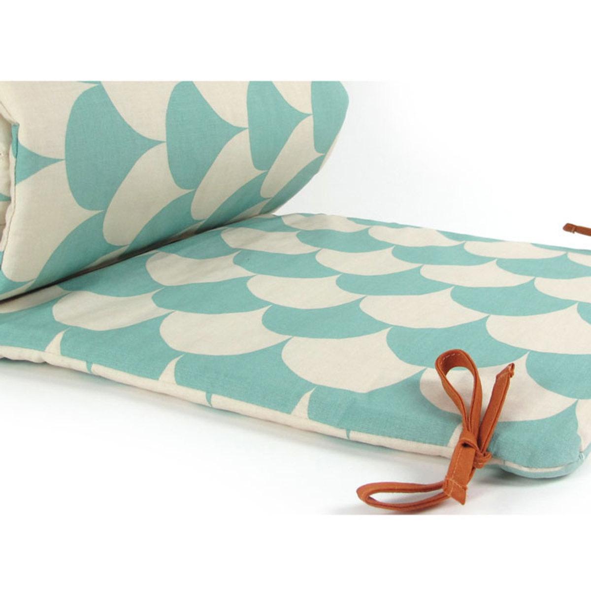 nobodinoz tour de lit constantinopla ecailles vertes linge de lit nobodinoz sur l 39 armoire de. Black Bedroom Furniture Sets. Home Design Ideas