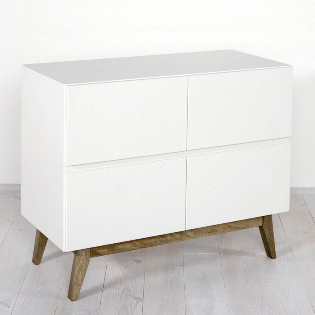 Quax commode trendy 4 tiroirs blanc commode quax sur l for Chambre quax trendy
