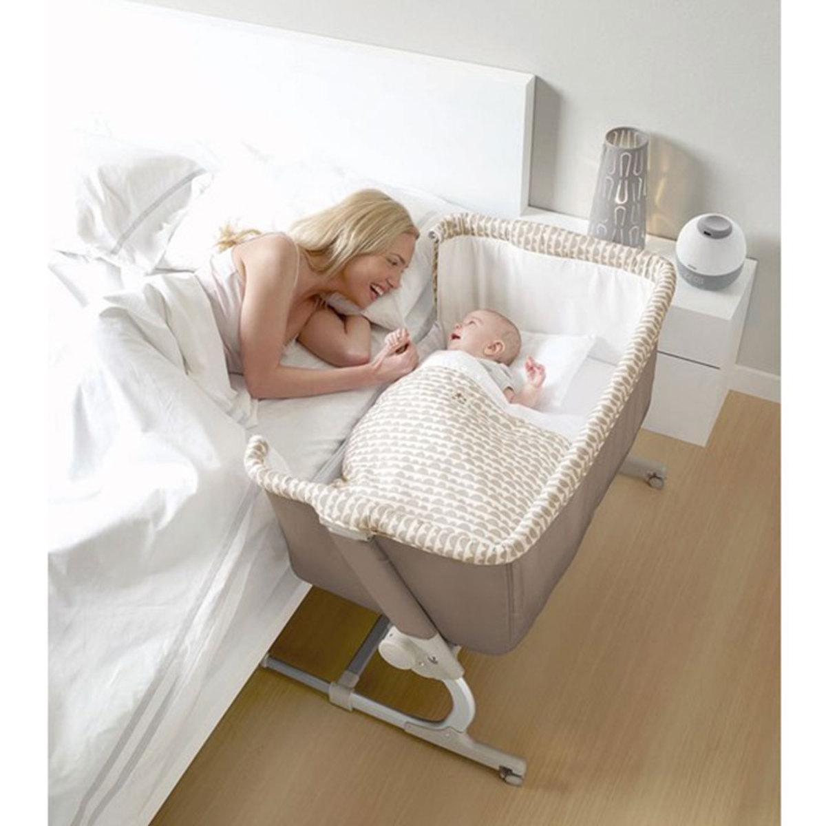 jan lit babyside cute lit b b jan sur l 39 armoire de b b. Black Bedroom Furniture Sets. Home Design Ideas