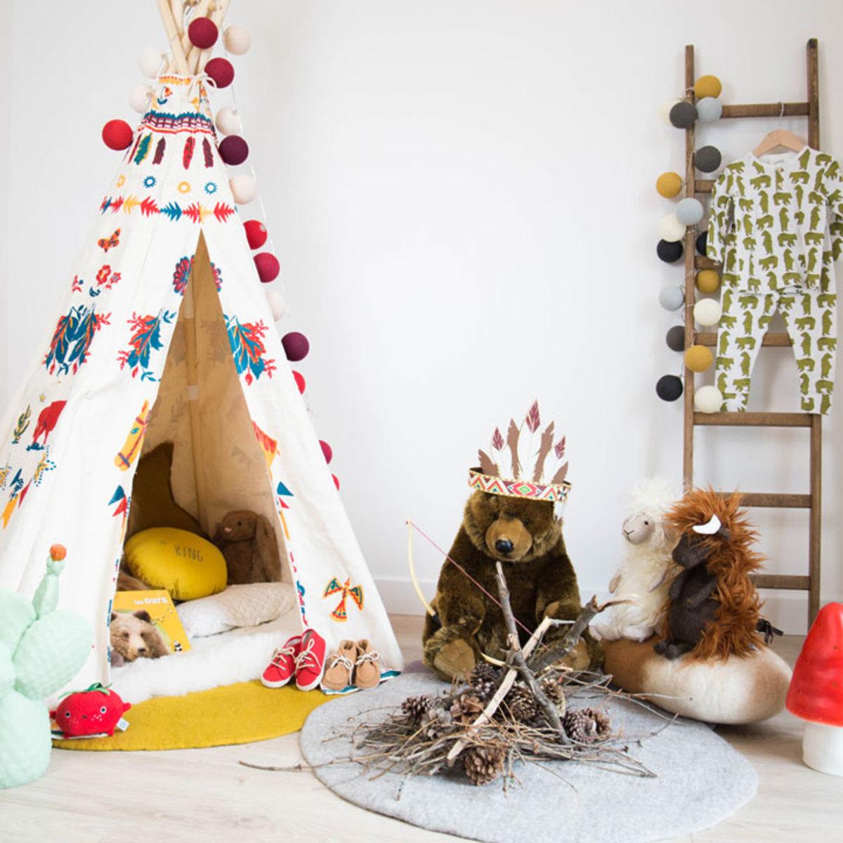 vilac tente d 39 indien nathalie l t tipi vilac sur l 39 armoire de b b. Black Bedroom Furniture Sets. Home Design Ideas