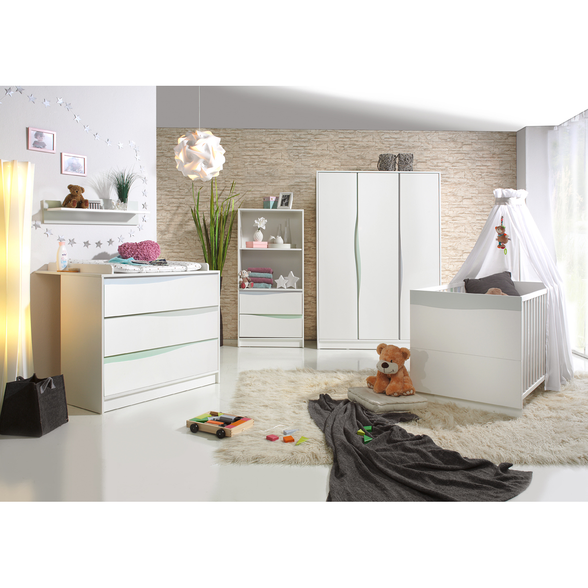 Geuther chambre trio lit commode etag re haute for Chambre haute