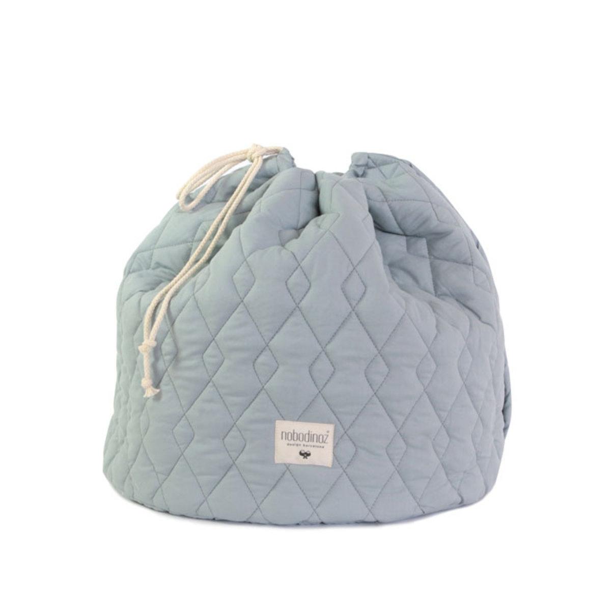 nobodinoz sac jouets las vegas l bleu riviera rangement jouet nobodinoz sur l 39 armoire de b b. Black Bedroom Furniture Sets. Home Design Ideas