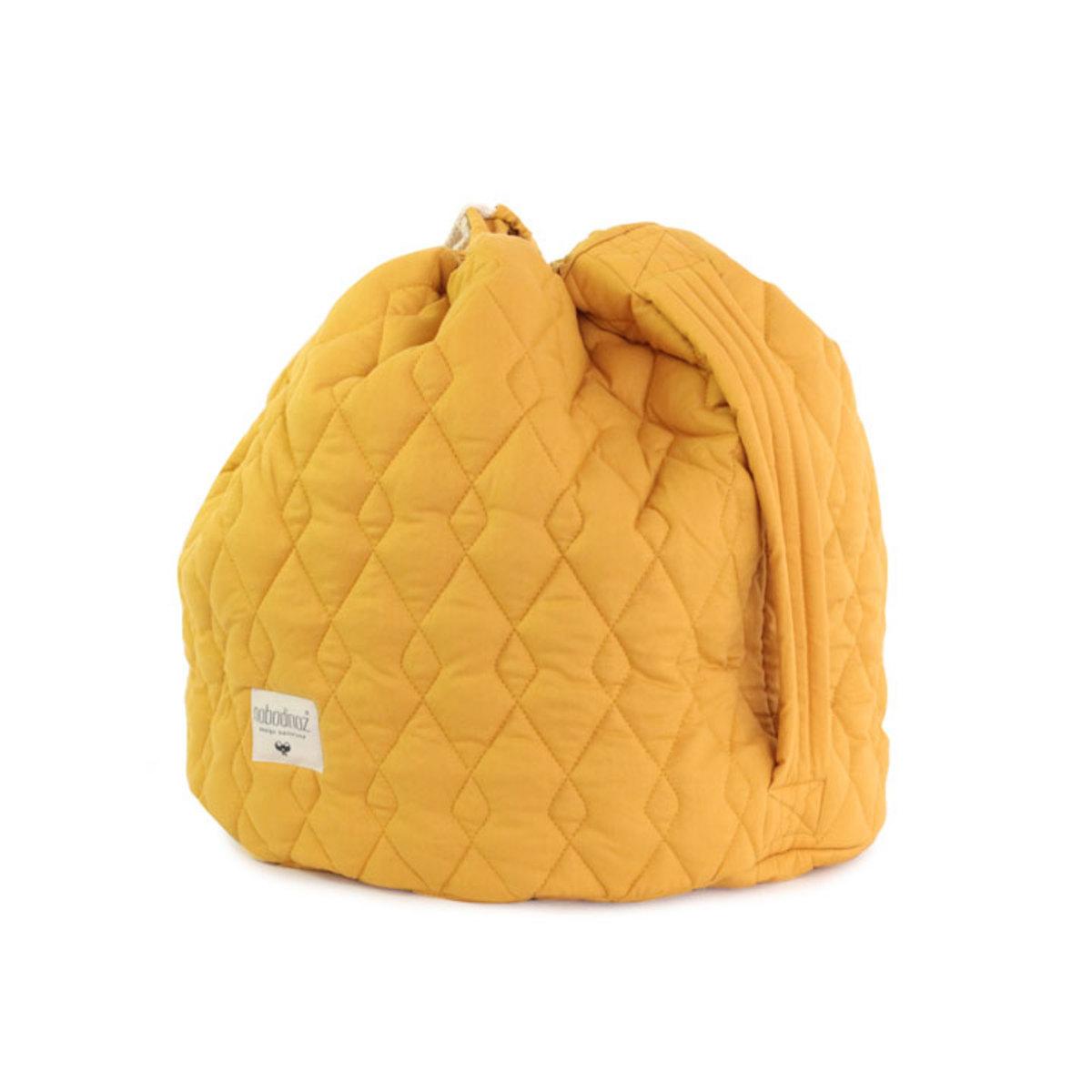 nobodinoz sac jouets las vegas l jaune farniente rangement jouet nobodinoz sur l 39 armoire. Black Bedroom Furniture Sets. Home Design Ideas
