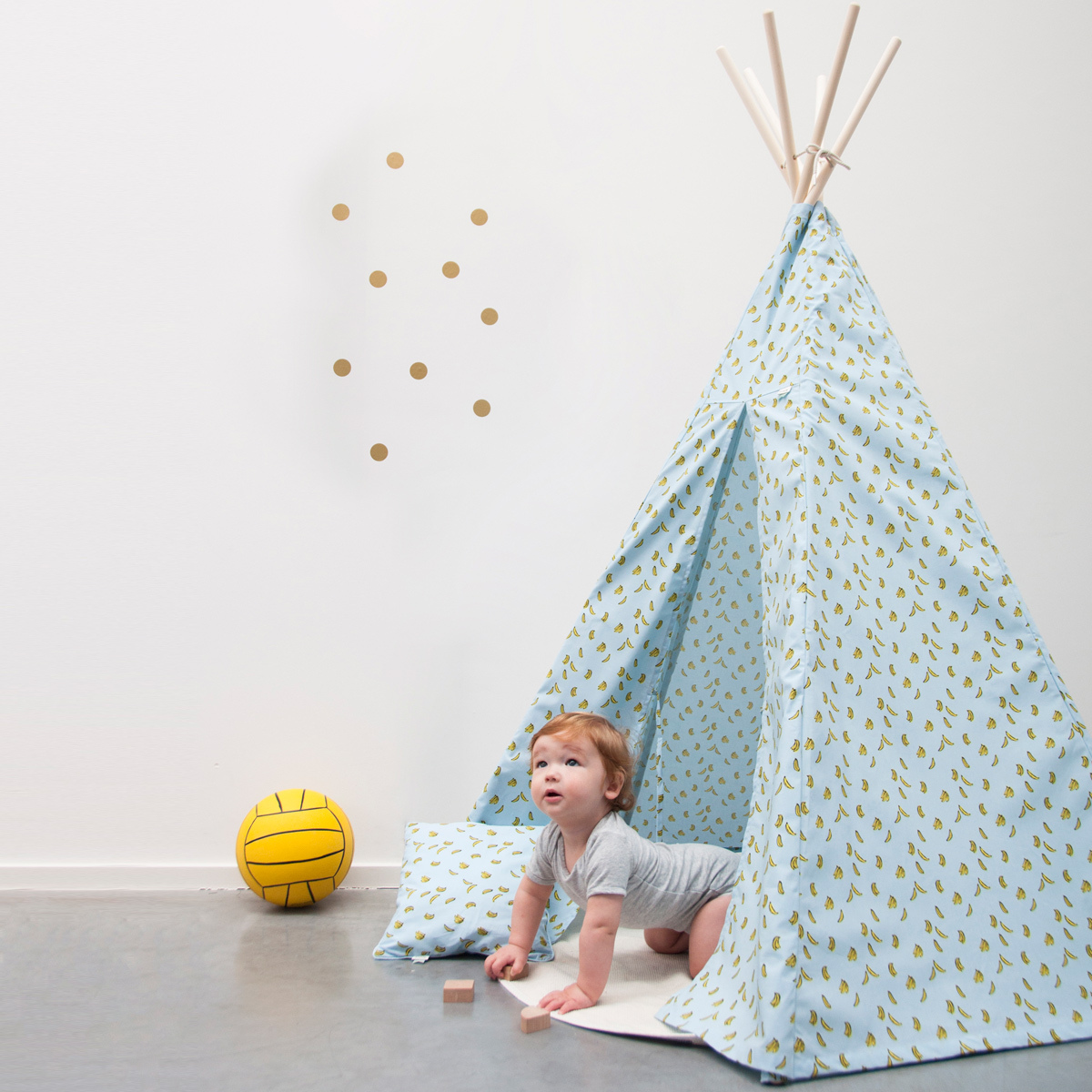 trixie baby tipi bananas tipi trixie baby sur l 39 armoire. Black Bedroom Furniture Sets. Home Design Ideas