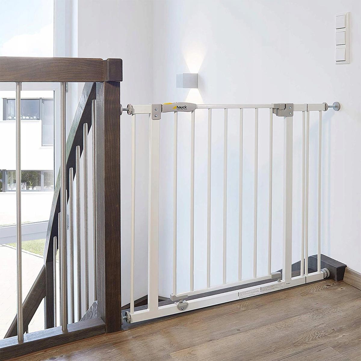 hauck barri re de s curit open 39 n stop blanc barri re. Black Bedroom Furniture Sets. Home Design Ideas