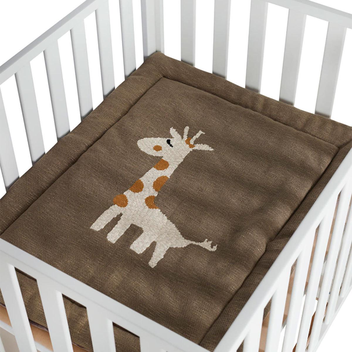 quax fond de parc girafe parc b b quax sur l 39 armoire. Black Bedroom Furniture Sets. Home Design Ideas