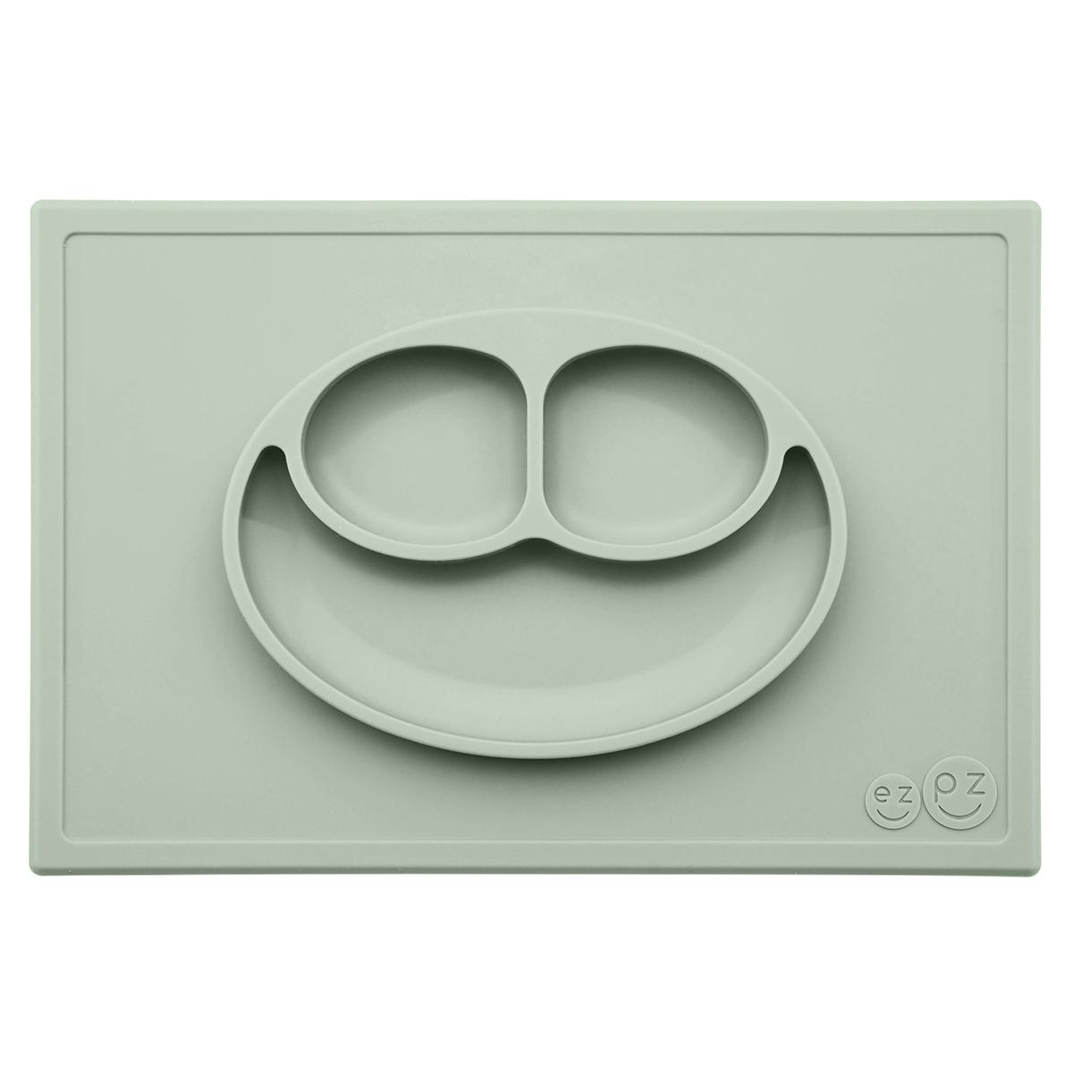 Vaisselle & Couvert Set de Table et Assiette Tout-en-1 Irrenversable Happy Mat - Vert Amande Set de Table et Assiette Tout-en-1 Irrenversable Happy Mat - Vert Amande